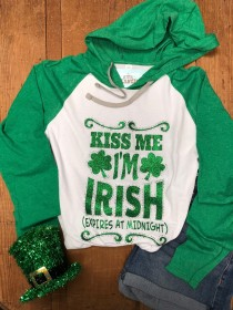 Kiss Me I'm Irish (Expires at Midnight) Rhinestones and Glitter Tee THV602